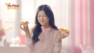 تبلیغ پیتزا خیلی قشنگه اسم بازیگرشو نمیدونم هر کی میدونه بگه