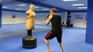 تمرین با آدمک ایستاده