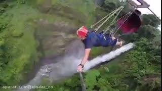 زیپ لاین بر فراز آبشار