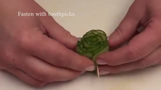 گل رز با خیار