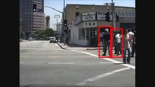 ارائه الگوریتمی برای شناسایی عابران پیاده با قدرتی برابر چشم انسان