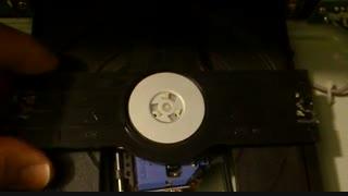 نحوه پاک کردن لنز دستگاه دی وی دی