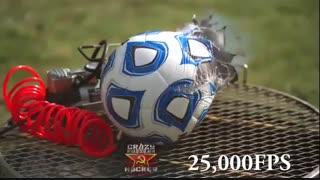 فوتفان : مستند فول اچ دی از لحظه ترکیدن توپ فوتبال :)