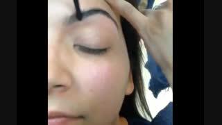 کلیپ آموزش آرایش خود آرایی ناحیه ابرو