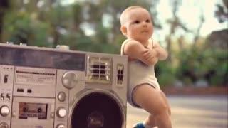 تیزر کمپین تبلیغات (آب معدنی Evian ) از تبلیغات پر بیننده آمریکا - سرشار از جوانی و تحرک