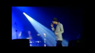 اجرای نگران منی توسط مرتضی در کنسرت اصفهان(کادوی من به دوست عزیزم نگار)(توضیحات مهم)(تقدیمی)