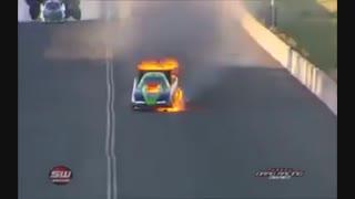 مگه مجبوری با این ماشین مسابقه بدی??!!