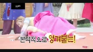 مسابقه بین هارا (Kara) و هیویون (SNSD)