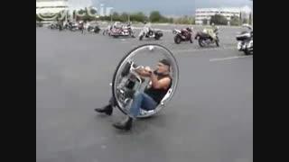 وسیله ای موتور ی با یک چرخ