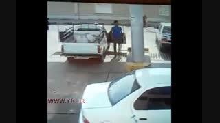 ترکیدن ماشین در پمپ گاز