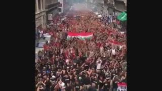 تجمع هواداران مجارستان قبل بازی با ایسلند در خیابان