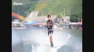 سونگ یول جت اسکی بازی میکنه! 160621 Naver Dispatch Update INFINITE Sungyeol playing JetSki & WaterSki