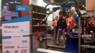 قهرمانی در مسابقه رباتیک آمازون با بهره گیری از هوش مصنوعی [تماشا کنید]