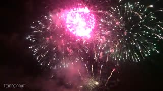 ویدیوی فوق العاده از آتش بازی