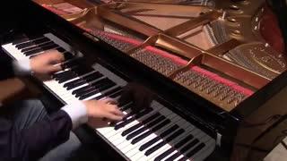 یکی از تیتراژ های کد گیاس با پیانو