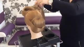 آموزش مدل مو دخترانه شینیون لایه ای- مومیس مشاور و مرجع تخصصی مو
