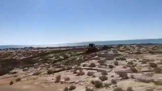 تخریب ساحل مقام «مکسر» در بندرلنگه و اعتراض فعالان محیط زیست
